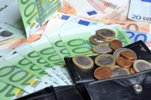 Geld verdienen während der Promotion - notwendiges Übel? Andreas Hermsdorf / pixelio.de